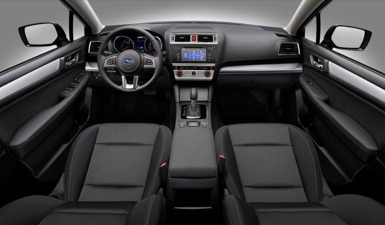 Subaru Outback - wnętrze ze skrzynią automatyczną